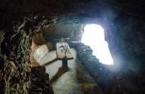 Grotto at Tigre del Mar