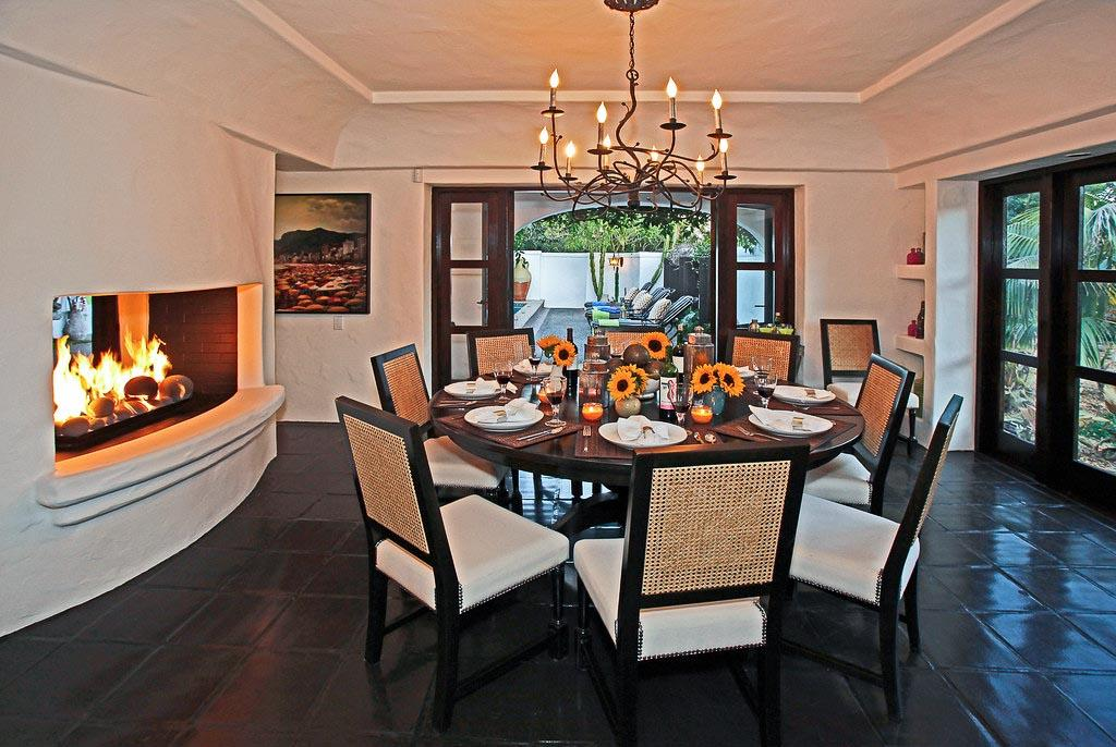 Luxury vacation rental in montecito santa barbara casa for 3 sided dining room table